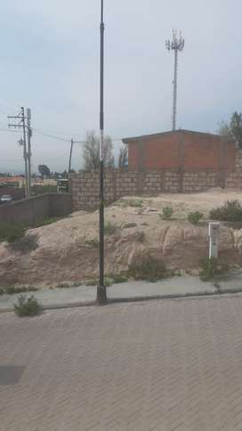 TERRENO EN ESQUINA URB PRIVADA EN CERRO COLORADO