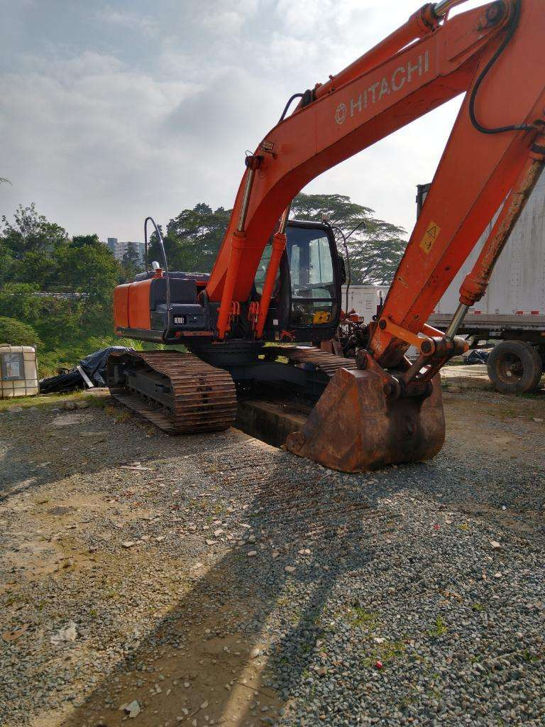 Excavadora Hitachi 200 0