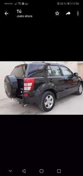Tengo un auto sz 2012 negro, dispuestos a laborar, confirmen en les puedo colaborar.