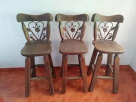 Vendo 6 butacos con hierro forjado, el precio es por cada silla.