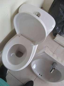 Taza de baño y lavamanos