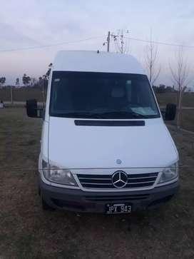 Mercedes benz sprinter minibus 19+1