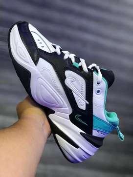 Tenís Nike