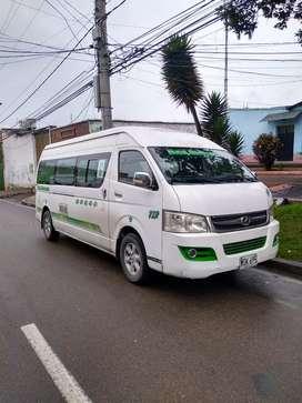 Se vende microbus.