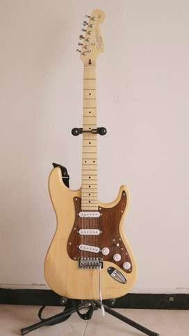 Guitarra Stratocaster + Pedal