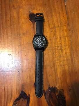 Reloj negro con malla de goma