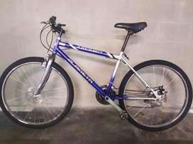 Bicicleta todoterreno Rin 26 en acero. Freno disco. Envío gratis en Bogotá.