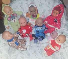 Se vende muñecos hermosos para las niñas de la casa
