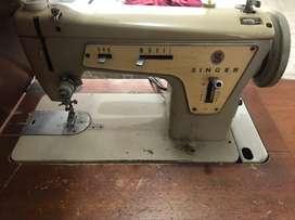 Maquina de coser plana marca Singer