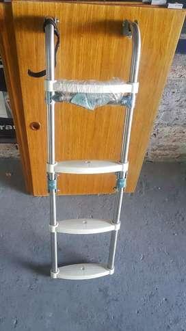 Escalera plegable aluminio nautica