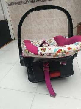 Vendo paseador y silla con soporte para el carro