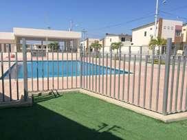 Alquilo casa en Manta en urbanización privada zona norte