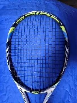 Raqueta de tenis Wilson juice 100