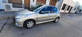 Peugeot 207 1.4 con gnc, muy buen estado