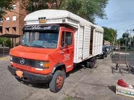Vendo camión Mercedes Benz modelo 710 año 1994