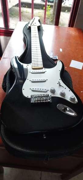Se vende Guitarra electrica negociable