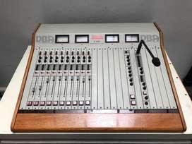 Consola de radio DBA S-400