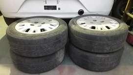 4 ruedas Ford R15