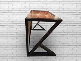 Escritorio en metal madera Teka
