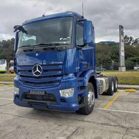 Tracto Camión MERCEDES-BENZ NEW ACTROS 2648 con litera. Alemán.