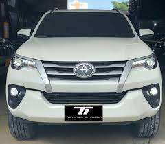 Persiana Parrilla Toyota Fortuner 2017 2020 original TOYOTA en su caja