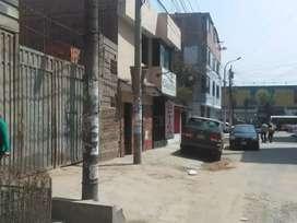 . Urbanización El Retablo , calle Sucre, en comas a media cuadra de av universitaria y metro.