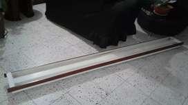 Soporte lampara tubo mide 2.5 metros