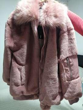 Vendo hermosa chaqueta fashion nova