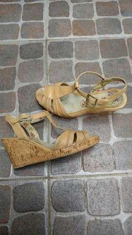Sandalias de Cuero Numero 35.