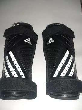 Espinilleras canilleras Adidas originales