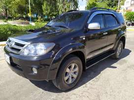 TOYOTA FORTUNER 2008 AUTOMÁTICA IMPECABLE