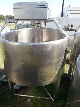2 tinas de 4000 lts para Quesos con mesa desueradora
