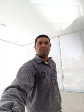 Busco trabajo de construcción y pinturas