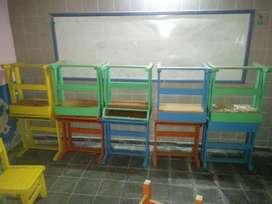 Bancos y sillas escolares