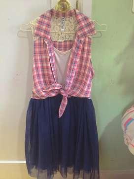 Se vende vestidos para niñas de 13 y 16 años