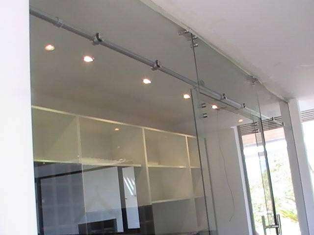 Vidrios, laminados, templados, sistema punto fijo, spiderglass, fachadas de edificios, pasamanos, escaleras 0