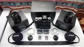Fujifilm X-T2 Profesional + 2 x Fujinon Lentes Profesionales + Aggare Vertical + 2 x Batterias + 2 x 64GB SD + Bandolera