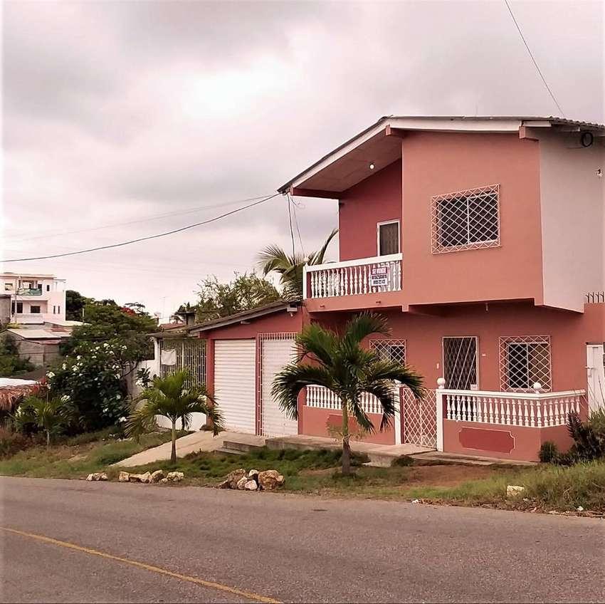 Venta de casa en Santa Elena,  a 5 minutos de la playa en carro. 0