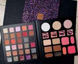 Paleta de Sombras de MyK Cosmetics