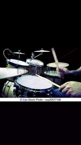 Se requiere un baterista para prestigiosa banda 80ntera de machala estamos siempre en presentaciones