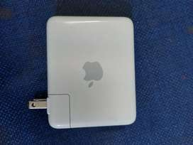Apple Airport Express Base Station Model A1084. Repetidor de WiFi
