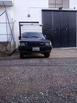 Furgón Mazda b2200