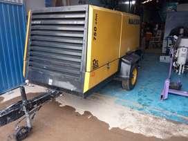VENDO COMPRESOR KAESER M200 MODELO 2010 CON MOTOR CATERPILAR, 750 CFM PRESIÓN AJUSTABLE DESDE EL PLC