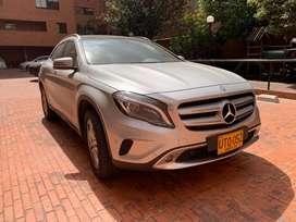 Vendo Mercedes GLA200 con 18.000 Kms