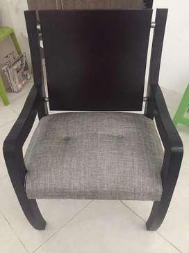 Se vende sillas y mesa sala