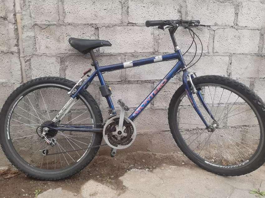 Bicicleta azul montain bike rin 26 0
