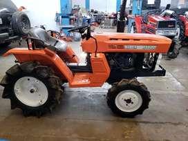 Tractor minero agricola japonés KUBOTA 19 HP, 4x4, modelo B1400 DT