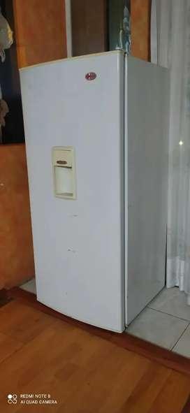 Nevera - Refrigerador $240 negociable