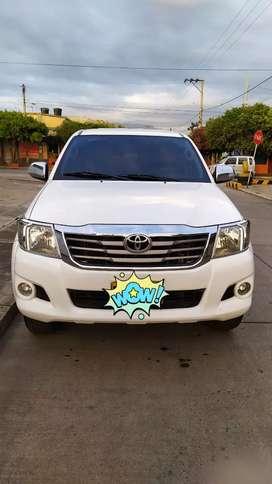 Toyota Hilux 2700 gasolina 4X4
