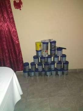 Se vende latas de leche